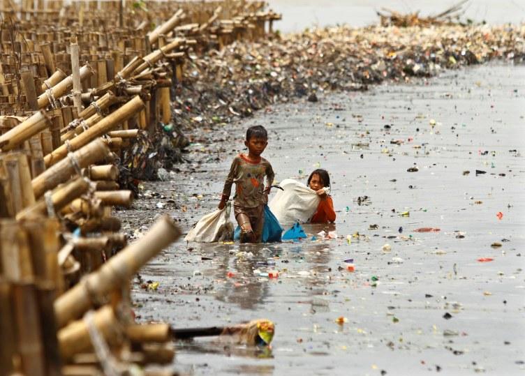 Blizu 300 miliona djece širom svijeta prisiljeno raditi teške poslove