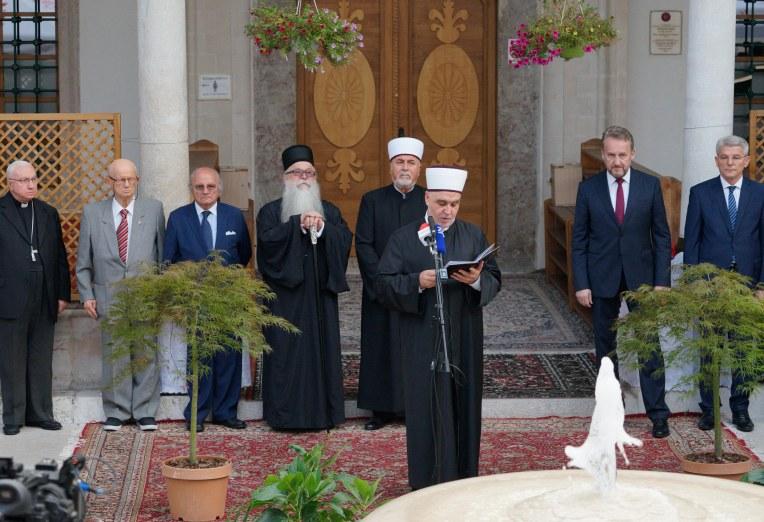 Prijemu prisustvovali predstavnici vjerskih zajednica i brojni gosti