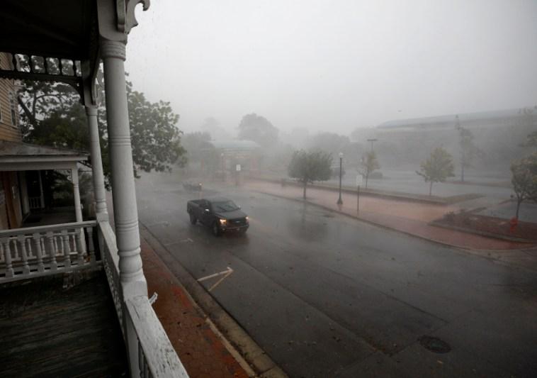 Stručnjaci upozoravaju da uragan opasno prijeti obilnim pljuskovima