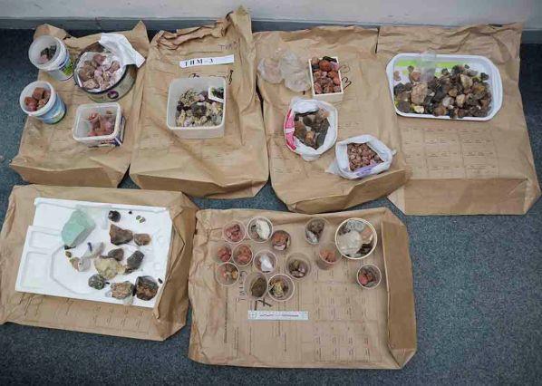 Zaplijenjene kovanice, vrijedno kamenje, nakit i predmeti od keramike i bronze