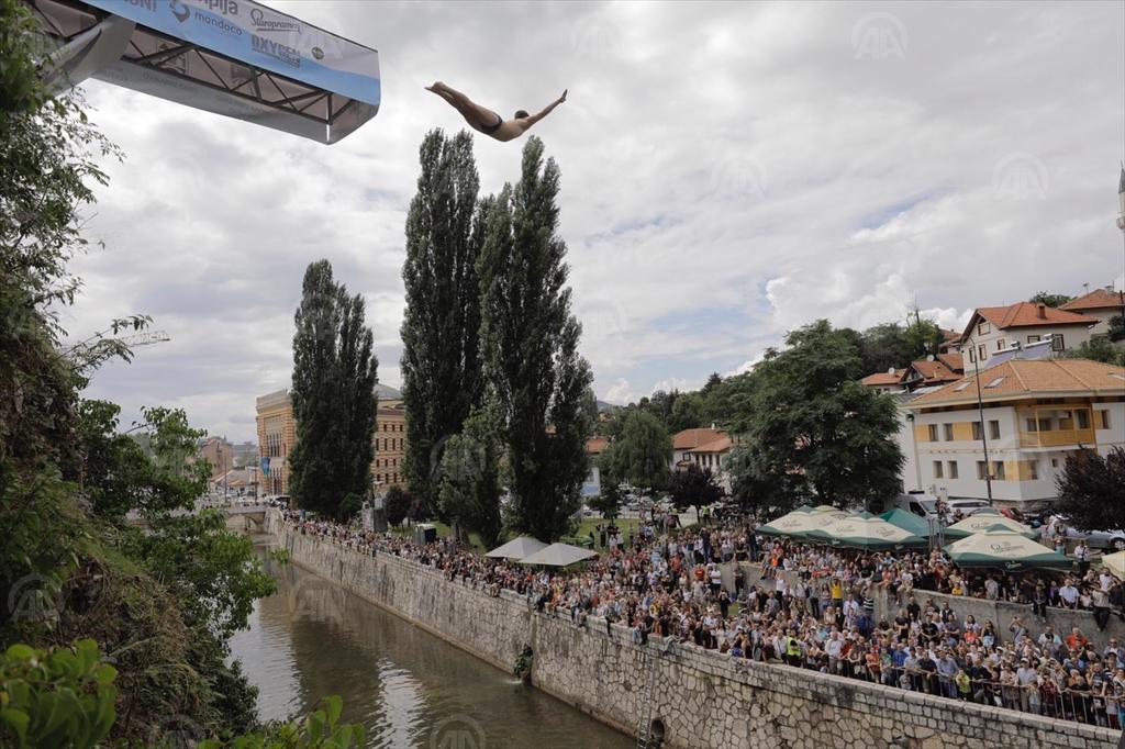 SARAJEVO CLIFF DIVING BENTBAŠA 2019: SKAKAČI U VODU ODUŠEVLJAVALI PUBLIKU