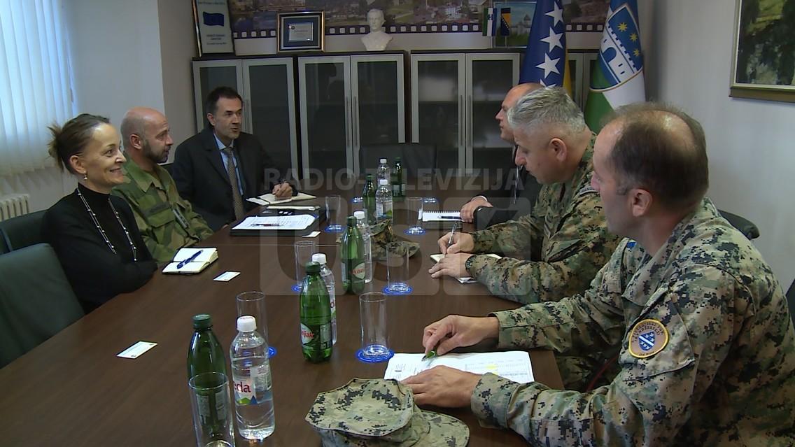VLADA USK: MIGRANTSKA KRIZA U FOKUSU RAZGOVORA SA ZAMJENIKOM KOMANDANTA NATO-A U BiH