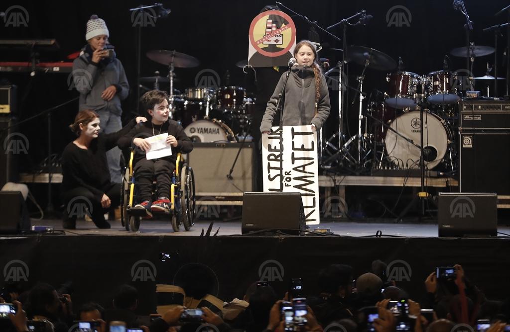 GRETA THUNBERG PREDVODILA VELIKI PROTEST U MADRIDU