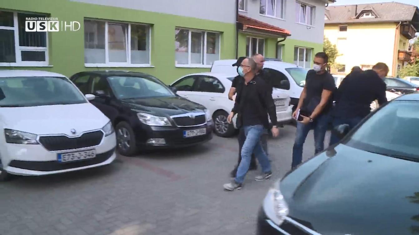 ASIM KAMBER POZVAN U SJEDIŠTE SIPE U ISTOČNOM SARAJEVU / JAVLJANJE NOVINARKE RTV USK-a