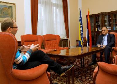 Član Predsjedništva Bosne i Hercegovine u razgovoru s novinarom Anadolu Agency
