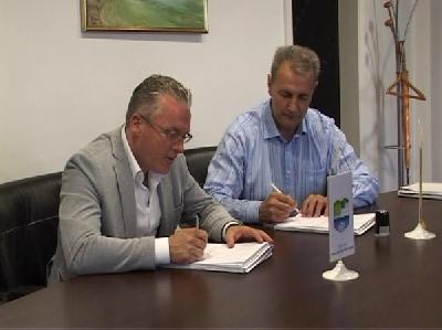 Ugovor  potpisali načelnik Halitović i Jusuf Arifagić