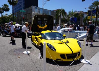 Na ulicama Beverly Hillsa održan 23. sajam Rodeo Drive Concours D'Elegance