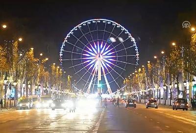 Pariz svake godine potroši oko milion eura samo na ukrasnu rasvjetu