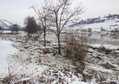 Veliki komadi leda na rijeci Bosni