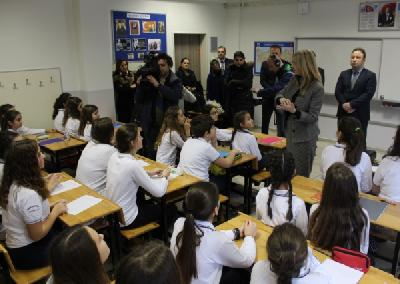 Federalna ministrica održala sat bosanskog jezika u istanbulskoj osnovnoj školi