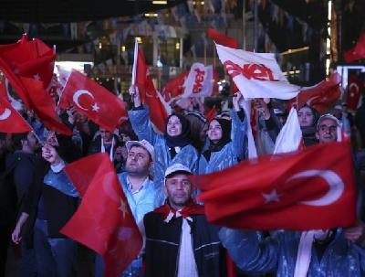 Slavlje na ulicama turskih gradova