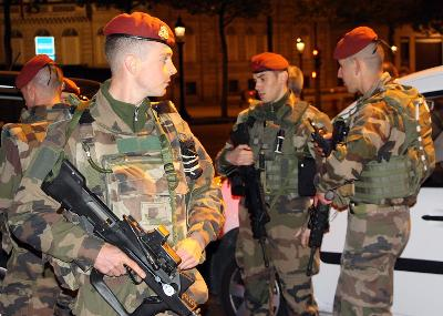 Vlada mobilizirala i 7.000 vojnika za patrole