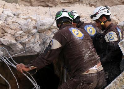Pripadnici Civilne zaštite tragaju za preživjelima