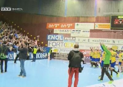 Slavlje s navijačima nakon utakmice