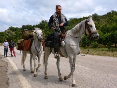 Bergier na konju putuje na hodočašće u Jerusalem