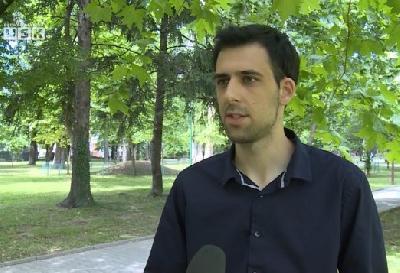 Američki sztudent Elvis Kahrić iz Bosanske Otoke