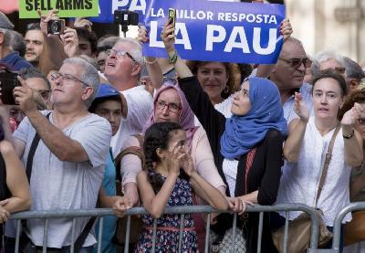 BARCELONA: U MARŠU MIRA UČESTVOVALO 500.000 LJUDI