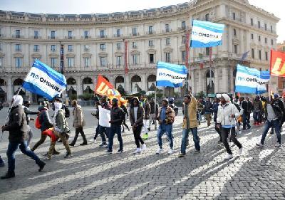 Oko 25.000 ljudi protestovalo u Rimu za prava migranata