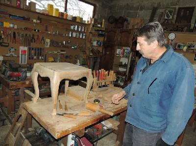 Nusret Merdanić iz Bihaća pet decenija se bavi duborezom