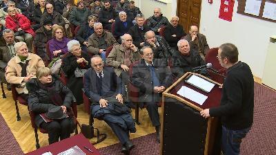 """BIHAĆKA GRAĐANSKA INICIJATIVA ODRŽALA SESIJU POD NAZIVOM """"MORAL I POLITIKA"""""""