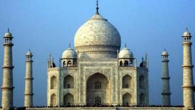 INDIJSKI VRHOVNI SUD ZABRINUT: NEKADA BIJELI TAJ MAHAL POTPUNO PROMIJENIO BOJU