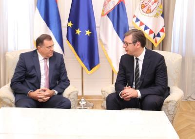 Vučić upoznao Dodika sa planovima Srbije da izgradi put Beograd - Sarajevo