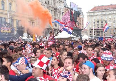 Na hiljade navijača okupilo se u središtu Zagreba