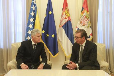Sastanak Čovića u Vučića u Beogradu