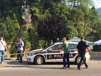 Policijski službenici postavili zaštitnu traku i u toku je uviđaj