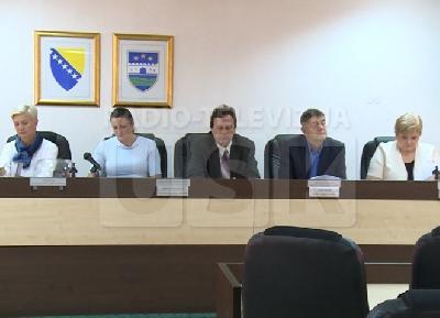 RTVUSK: ODREĐEN REDOSLIJED PREDSTAVLJANJA POLITIČKIH SUBJEKATA ZA OPĆE IZBORE