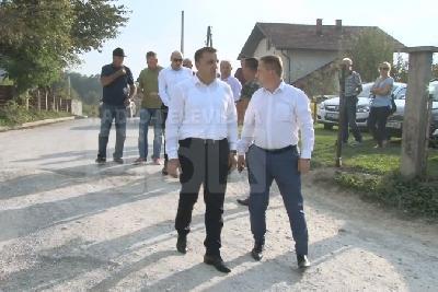 Premijer Rošić i ministar Dedić u Kapićima