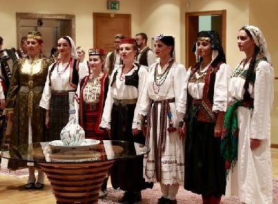 Revija tradicionalne ženske nošnje iz Bosne i Hercegovine