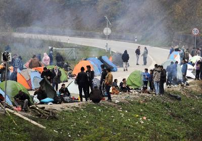 Trenutno ne postoji smještaj za migrante koji se četvrti dan nalaze u blizini Graničnog prelaza Velika Kladuša - Maljevac