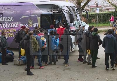 Jučer prvi migranti stigli u hale bivše tvornice Bira