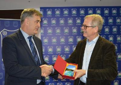 Švedski ambassador kod gradonačelnika Fazlića