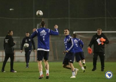 Trening su obavili svi igrači, osim povrijeđenog Gojka Cimirota