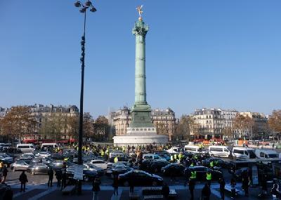 Francuzi zbog povećanja cijena goriva blokirali puteve