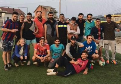 Migranti i domaći odmjerili snage u nogometu