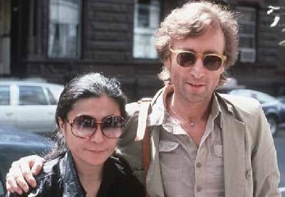John Lennon i supruga Yoko Ono