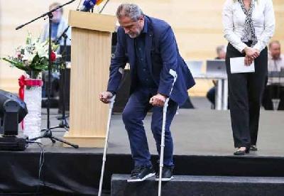 Bandić prije mjesec dana imao prelom noge (Foto: HRT)