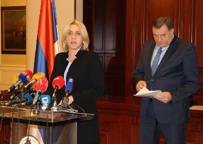 Željka Cvijanović i Milorad Dodik na press konferenciji