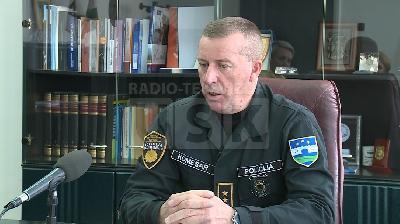 KOMESAR POLICIJE MUJO KORIČIĆ: TRENUTNA SIGURNOSNA SITUACIJA ZADOVOLJAVAJUĆA, ALI NA STOLU SU BROJNA OTVORENA PITANJA