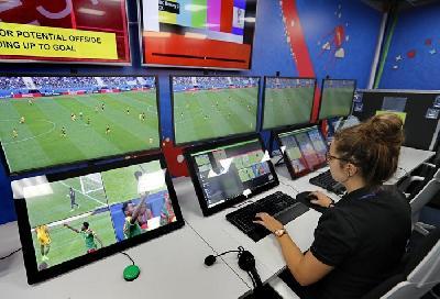 UEFA: IGRAČI KOJI BUDU TRAŽILI VAR DOBIĆE ŽUTI KARTON