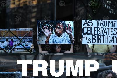 NA TRUMPOV ROĐENDAN U NEW YORKU ODRŽANI PROTESTI PROTIV MIGRANTSKE POLITIKE