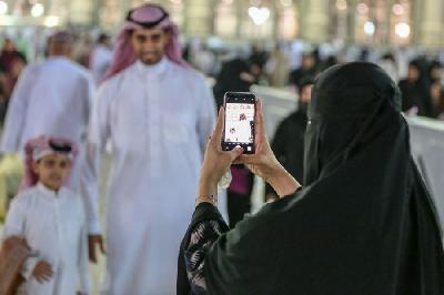 SAUDIJSKA ARABIJA: ŽENE DOBILE PRAVO PUTOVATI, BEZ DA TRAŽE DOPUŠTENJE MUŠKARCA