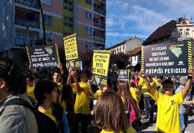 BOSANSKI NOVI: NA ODRŽANOM PROTESTU KAZANO NE RADIOAKTIVNOM OTPADU