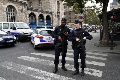 FRANCUSKA: MUŠKARAC UBIJEN NAKON ŠTO JE UPAO U POLICIJSKU STANICU