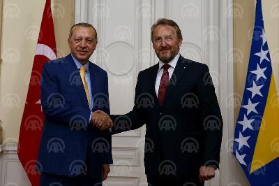 IZETBEGOVIĆ PODRŽAO NAPAD TURSKE NA KURDE: IMAJU PRAVO DA BRANE SVOJU SIGURNOST