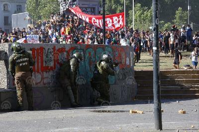 ČILE: BROJ POGINULIH U PROTESTIMA PORASTAO NA 19