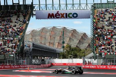 NA KORAK DO ŠESTE TITULE F1: HAMILTON OSVOJIO VELIKU NAGRADU MEKSIKA